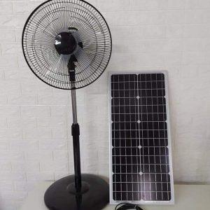 quat dung nang luong mat troi 300x300 - Quạt đứng năng lượng mặt trời